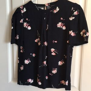 French connection short sleeved floral blouse
